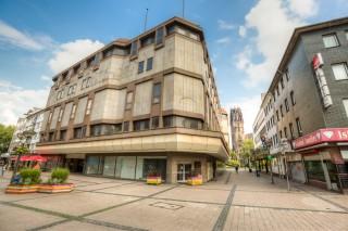 FCR Immobilien AG verkauft ehemaliges C&A-Gebäude in Duisburg
